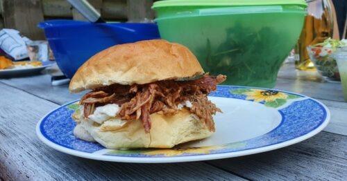 Broodje Pulled Pork met witte kool